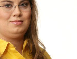 Mela Eckenfels versucht, pseudomedizinische Aussagen zu entkräften.
